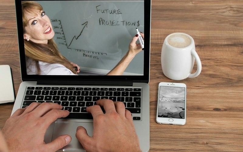 Acelere seu inglês através de cursos online